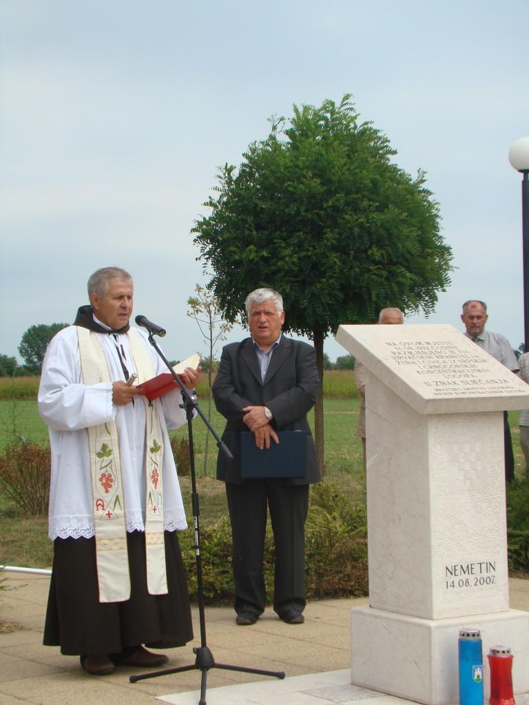 Molitvu za poginule predvodio je fra Vjenceslav Janjić